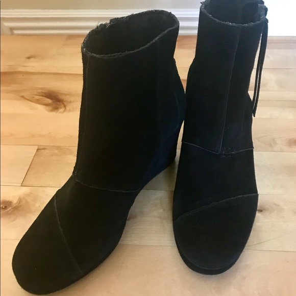 e7660425e45 Toms Shoes - TOMS black suede desert wedge bootie - size 10